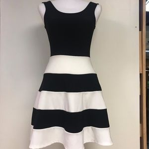 Black and White Dress Size Small Sage Brand